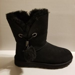 Women's UGG Charm Black Boots Size 8 NEW